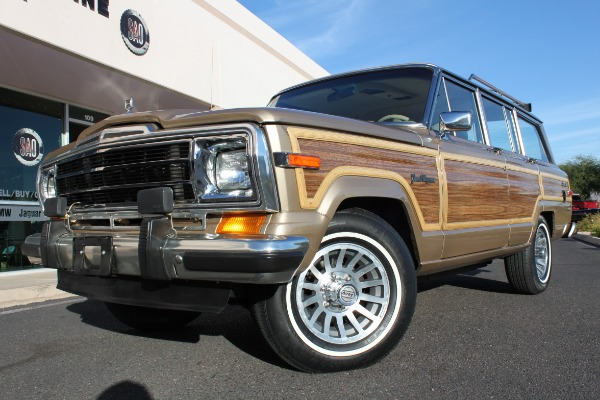 1989 Jeep Grand Wagoneer 4WD