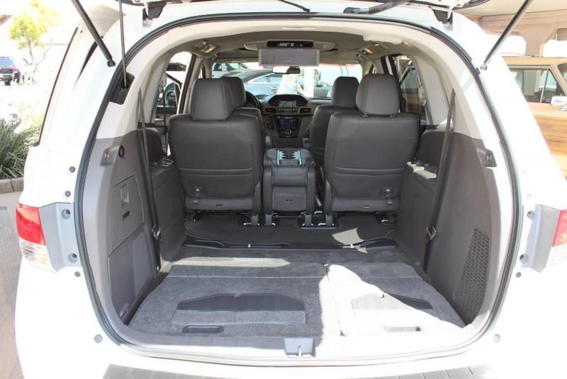 Used-2015-Honda-Odyssey-Touring-Elite-Mini