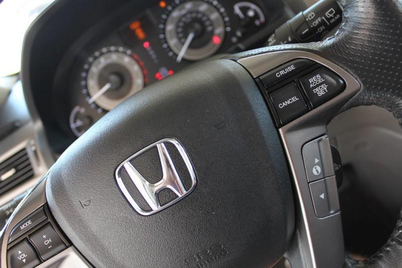 Used-2015-Honda-Odyssey-Touring-Elite-Chrysler