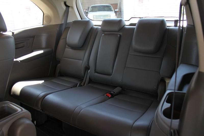 Used-2015-Honda-Odyssey-Touring-Elite-1-Owner-Luxury-Cars-Lake-County