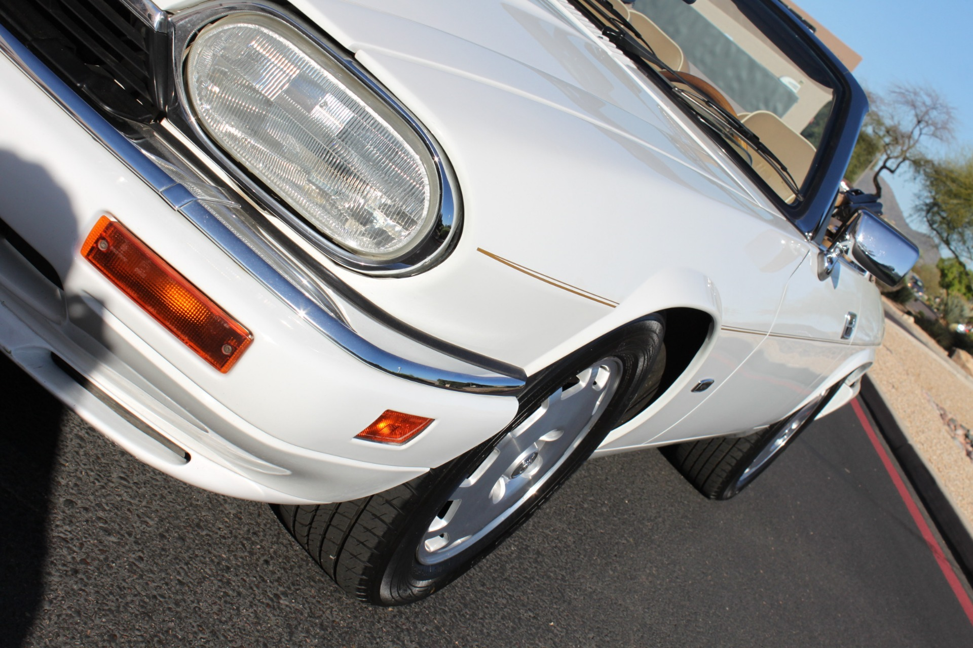 Used-1996-Jaguar-XJS-Convertible-Grand-Cherokee
