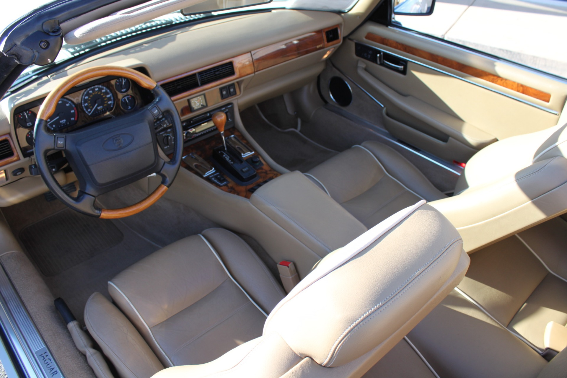 Used-1996-Jaguar-XJS-Convertible-Collector