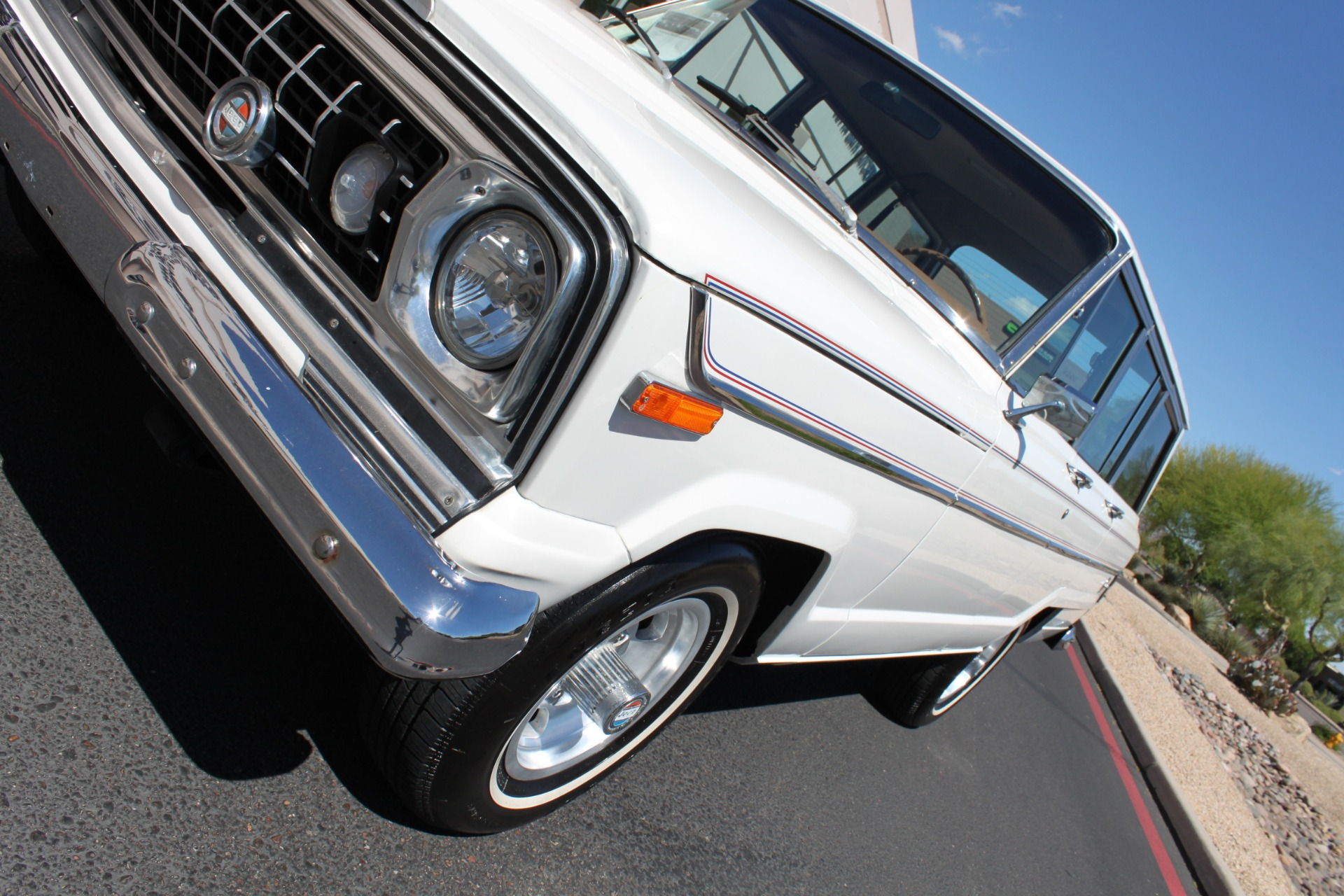 Used-1977-Jeep-Wagoneer-Custom-Fuel-Injected-66-Liter-401-Grand-Cherokee