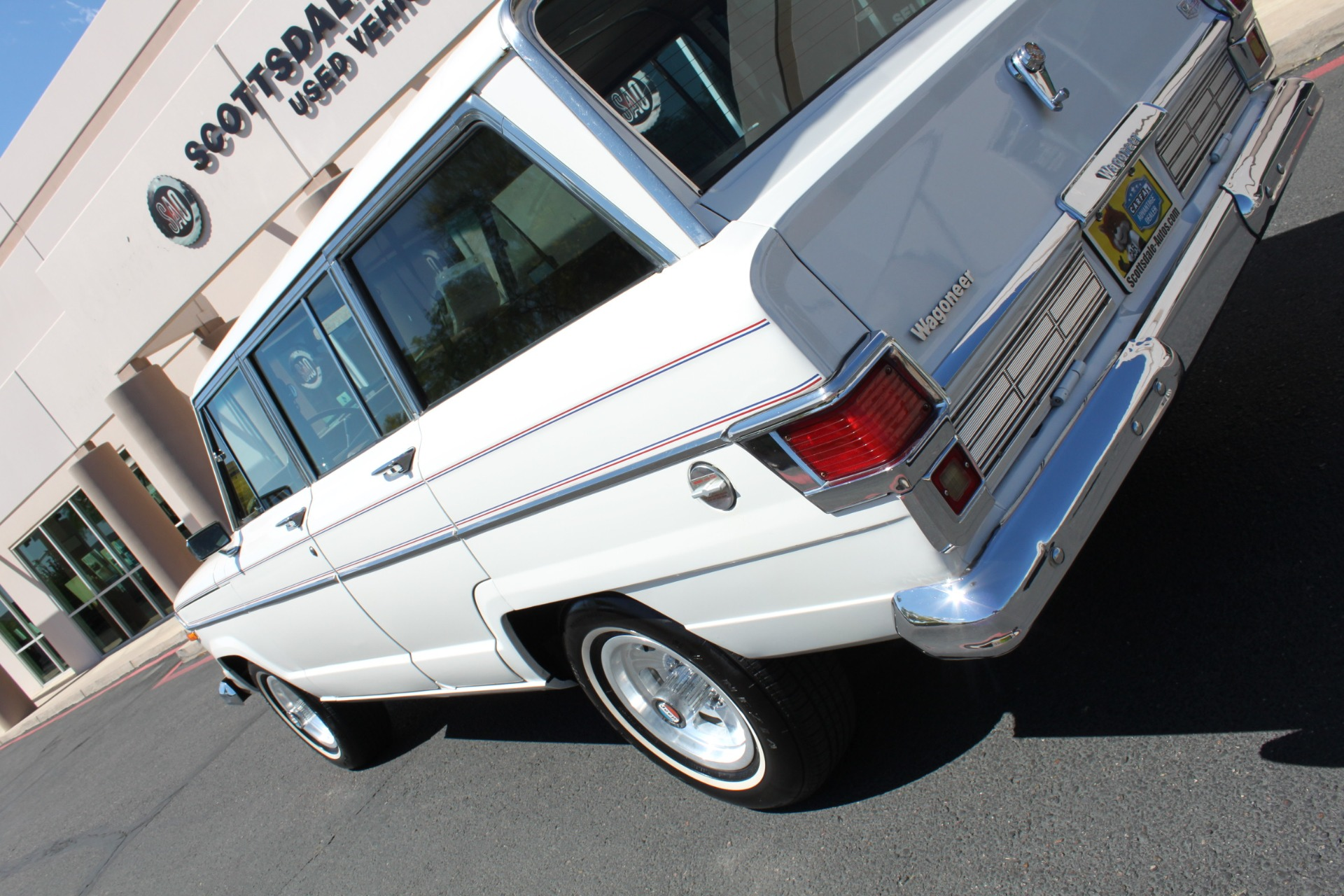Used-1977-Jeep-Wagoneer-Custom-Fuel-Injected-66-Liter-401-Audi