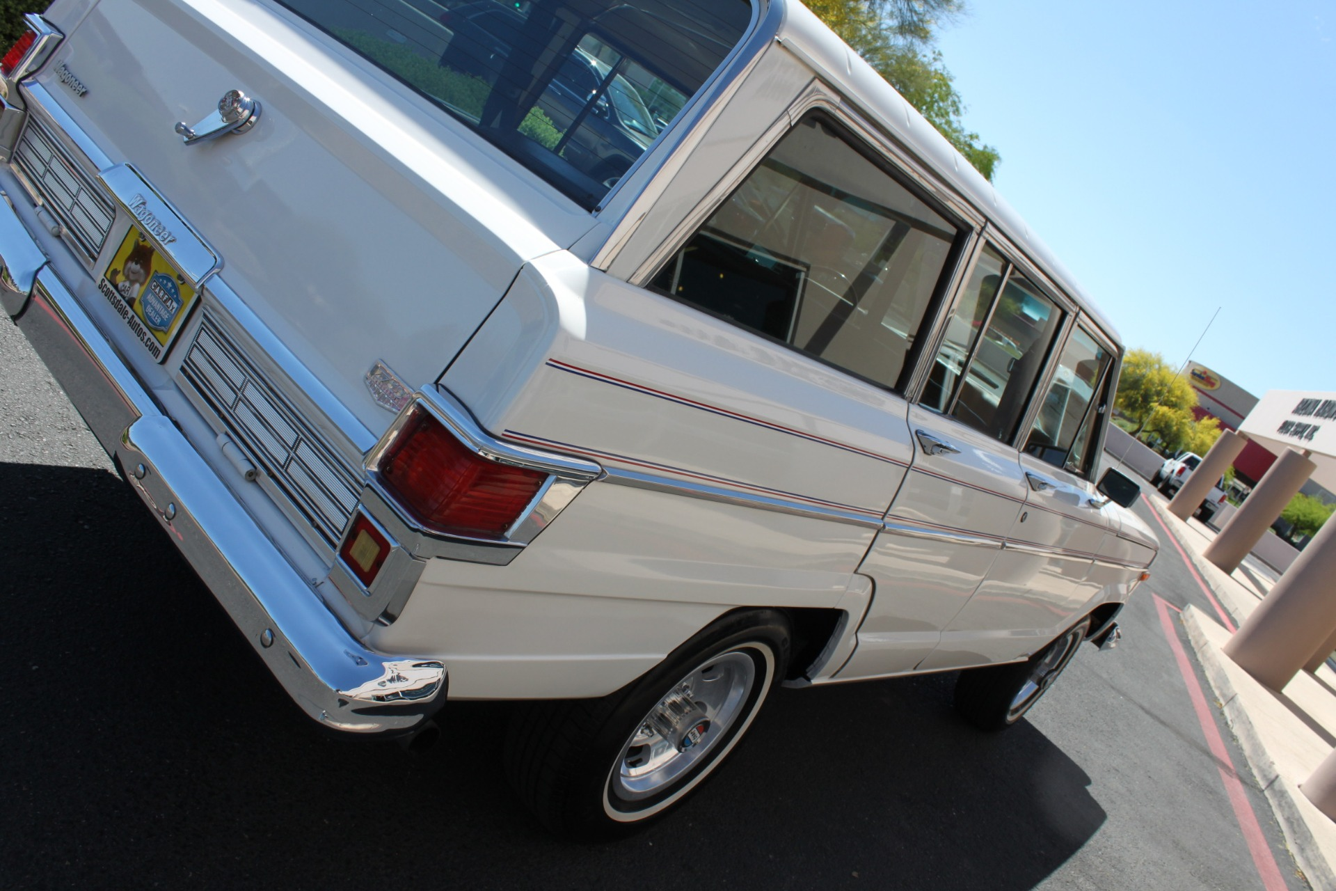 Used-1977-Jeep-Wagoneer-Custom-Fuel-Injected-66-Liter-401-Acura