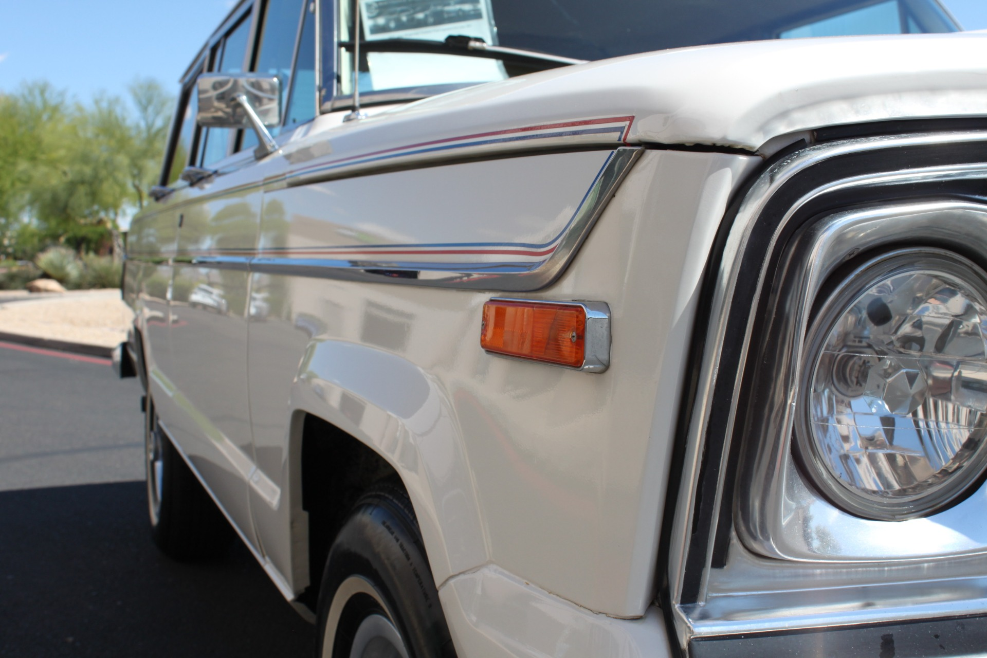Used-1977-Jeep-Wagoneer-Custom-Fuel-Injected-66-Liter-401-Lexus