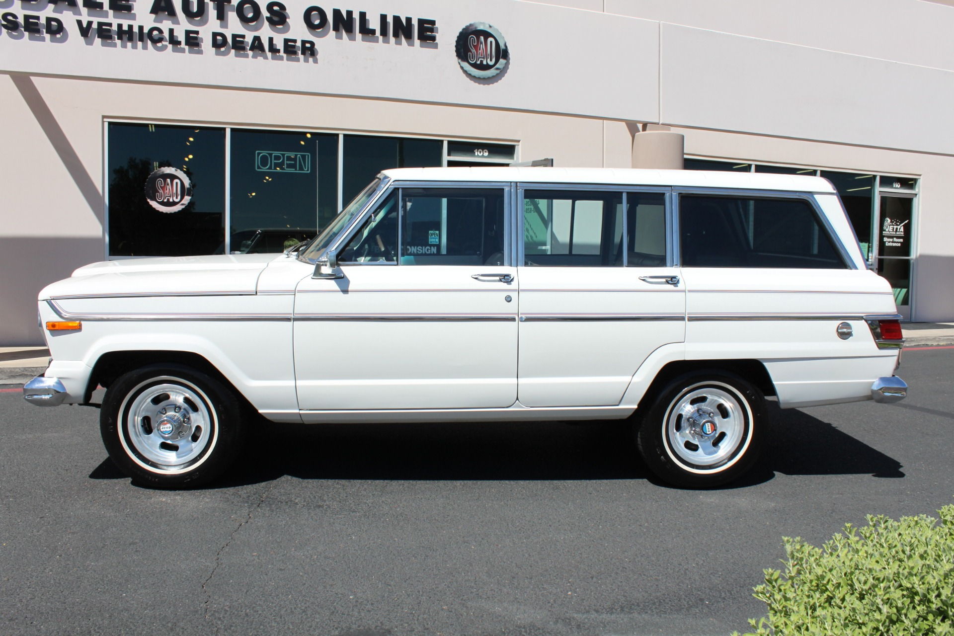 Used-1977-Jeep-Wagoneer-Custom-Fuel-Injected-66-Liter-401-Wagoneer