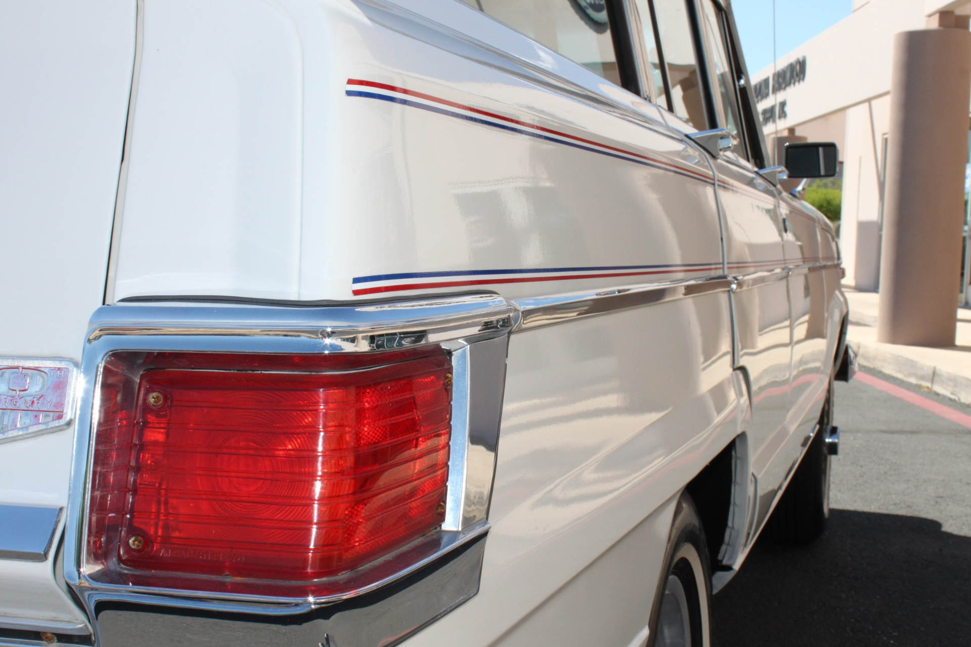 Used-1977-Jeep-Wagoneer-Custom-Fuel-Injected-66-Liter-401-Chalenger