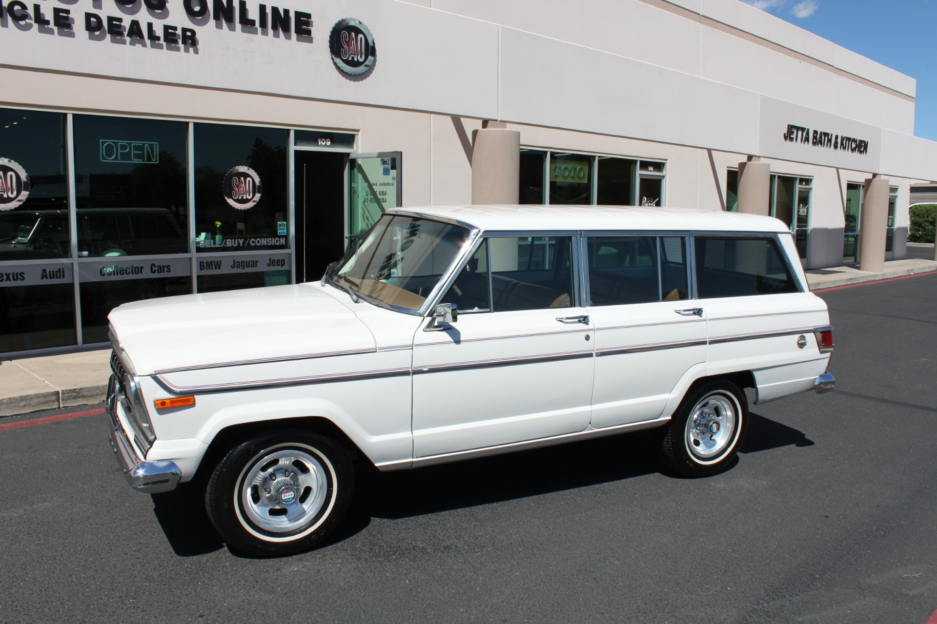 Used-1977-Jeep-Wagoneer-Custom-Fuel-Injected-66-Liter-401-Fiat