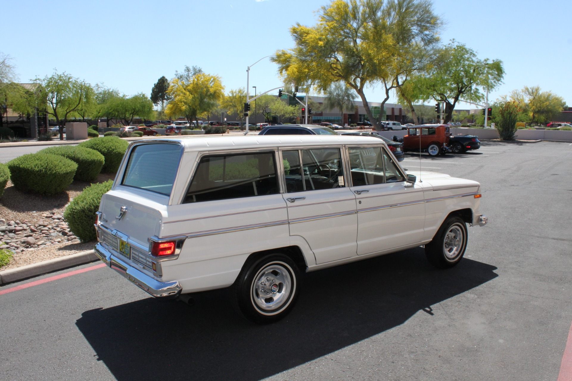 Used-1977-Jeep-Wagoneer-Custom-Fuel-Injected-66-Liter-401-Toyota