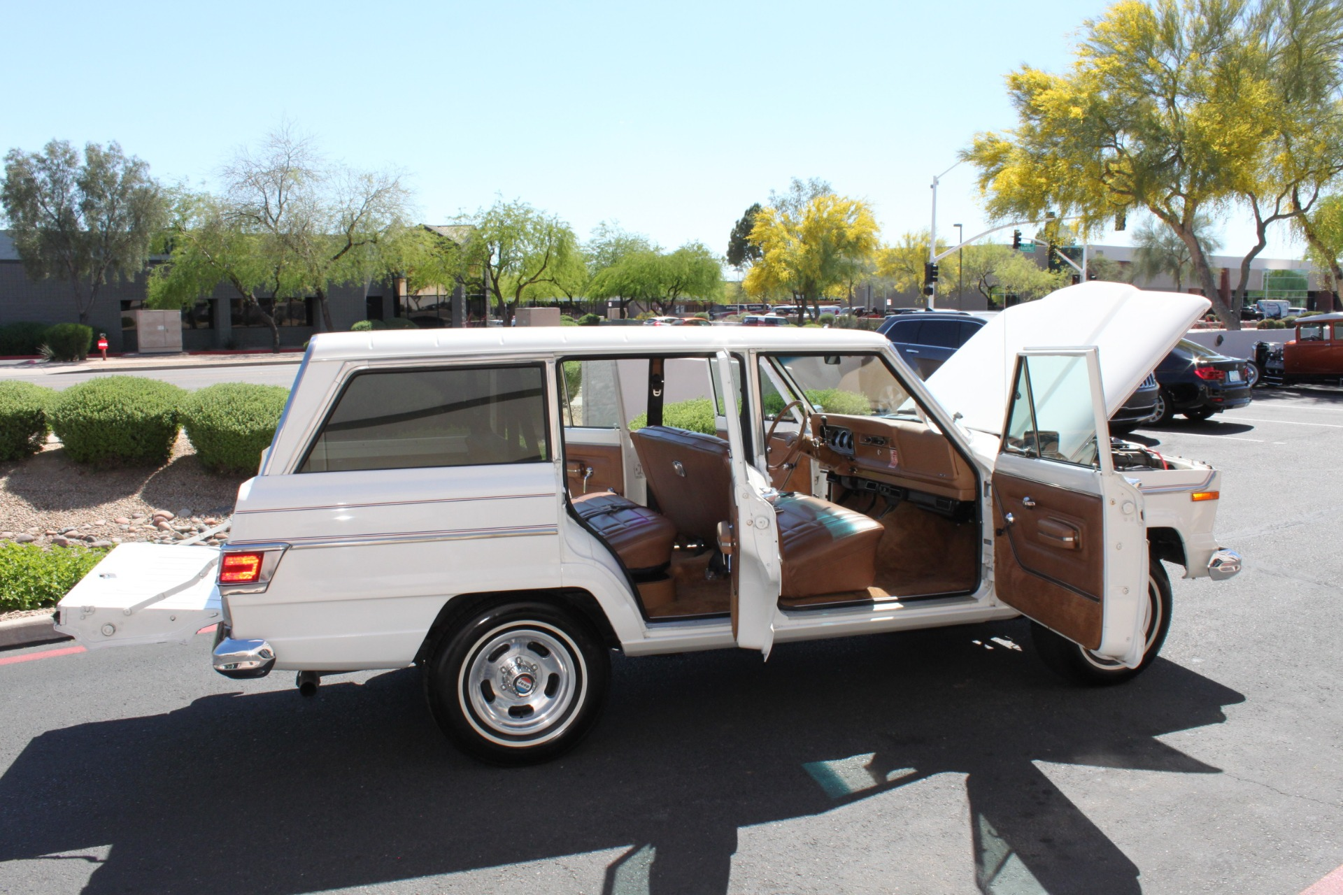 Used-1977-Jeep-Wagoneer-Custom-Fuel-Injected-66-Liter-401-XJ