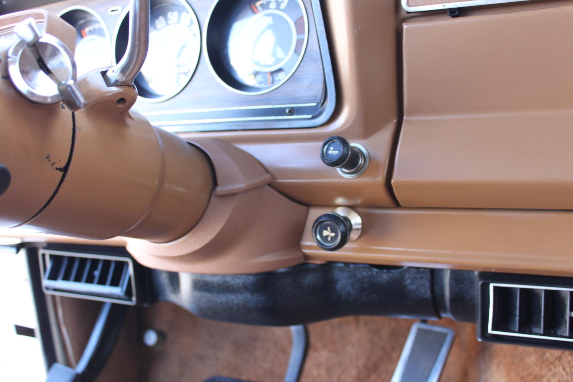 Used-1977-Jeep-Wagoneer-Custom-Fuel-Injected-66-Liter-401-Mopar