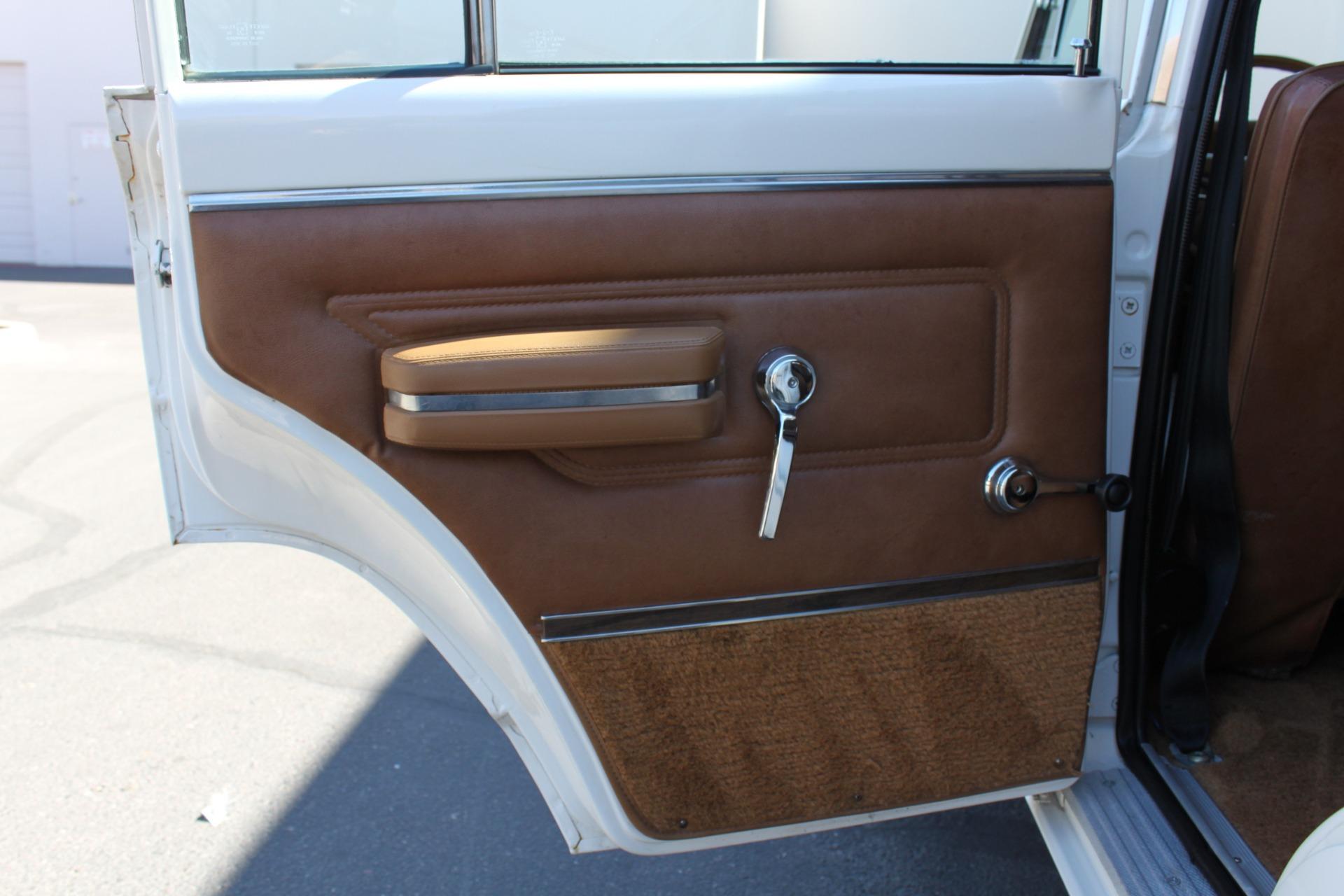 Used-1977-Jeep-Wagoneer-Custom-Fuel-Injected-66-Liter-401-Grand-Cherokee