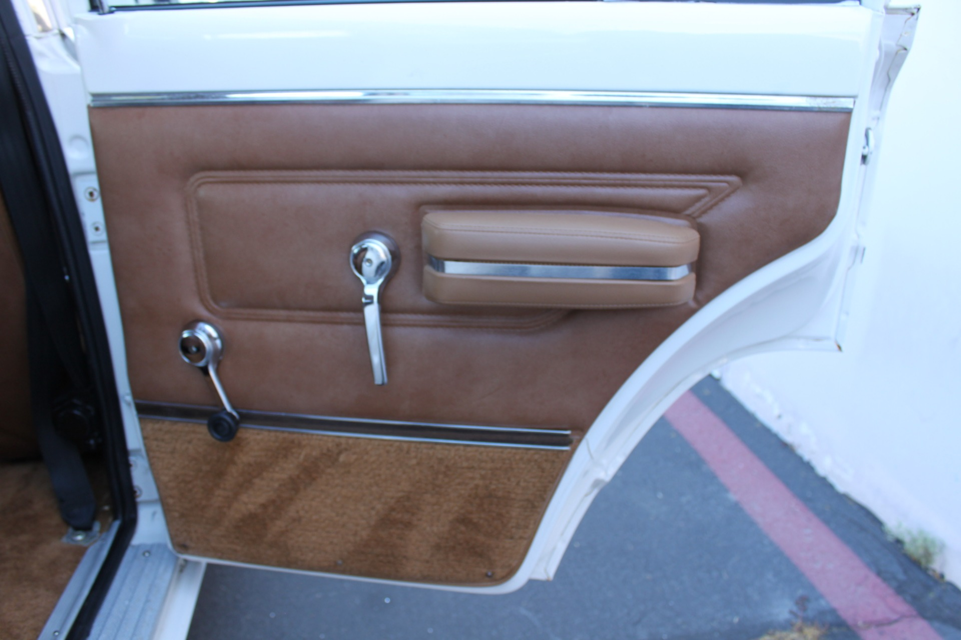 Used-1977-Jeep-Wagoneer-Custom-Fuel-Injected-66-Liter-401-Audi