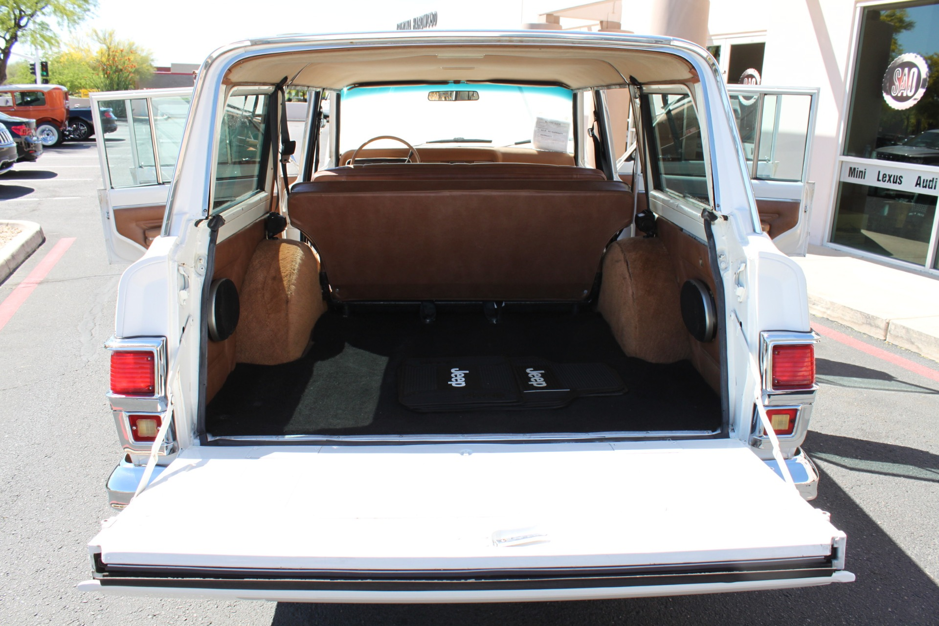 Used-1977-Jeep-Wagoneer-Custom-Fuel-Injected-66-Liter-401-Camaro