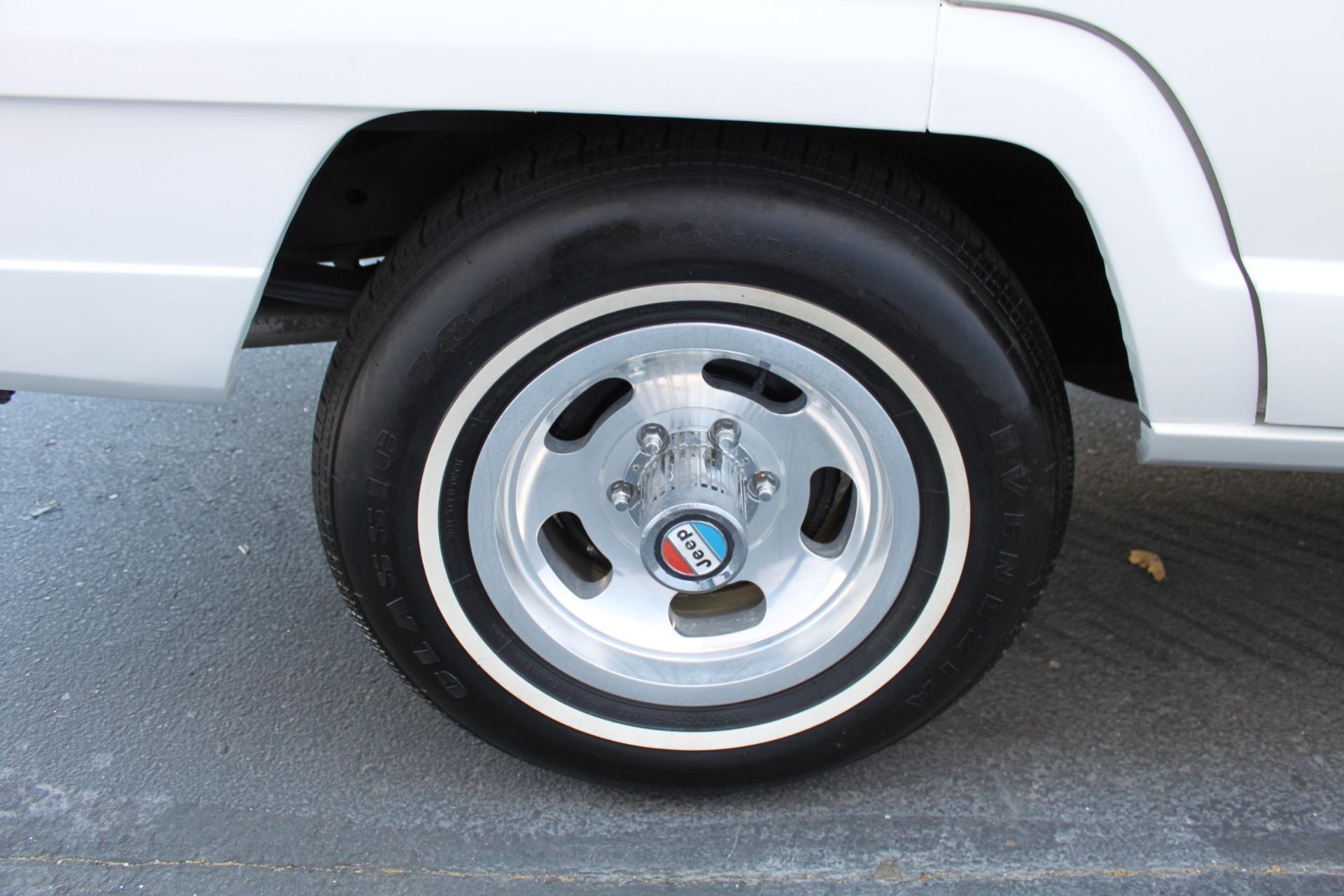 Used-1977-Jeep-Wagoneer-Custom-Fuel-Injected-66-Liter-401-Ferrari
