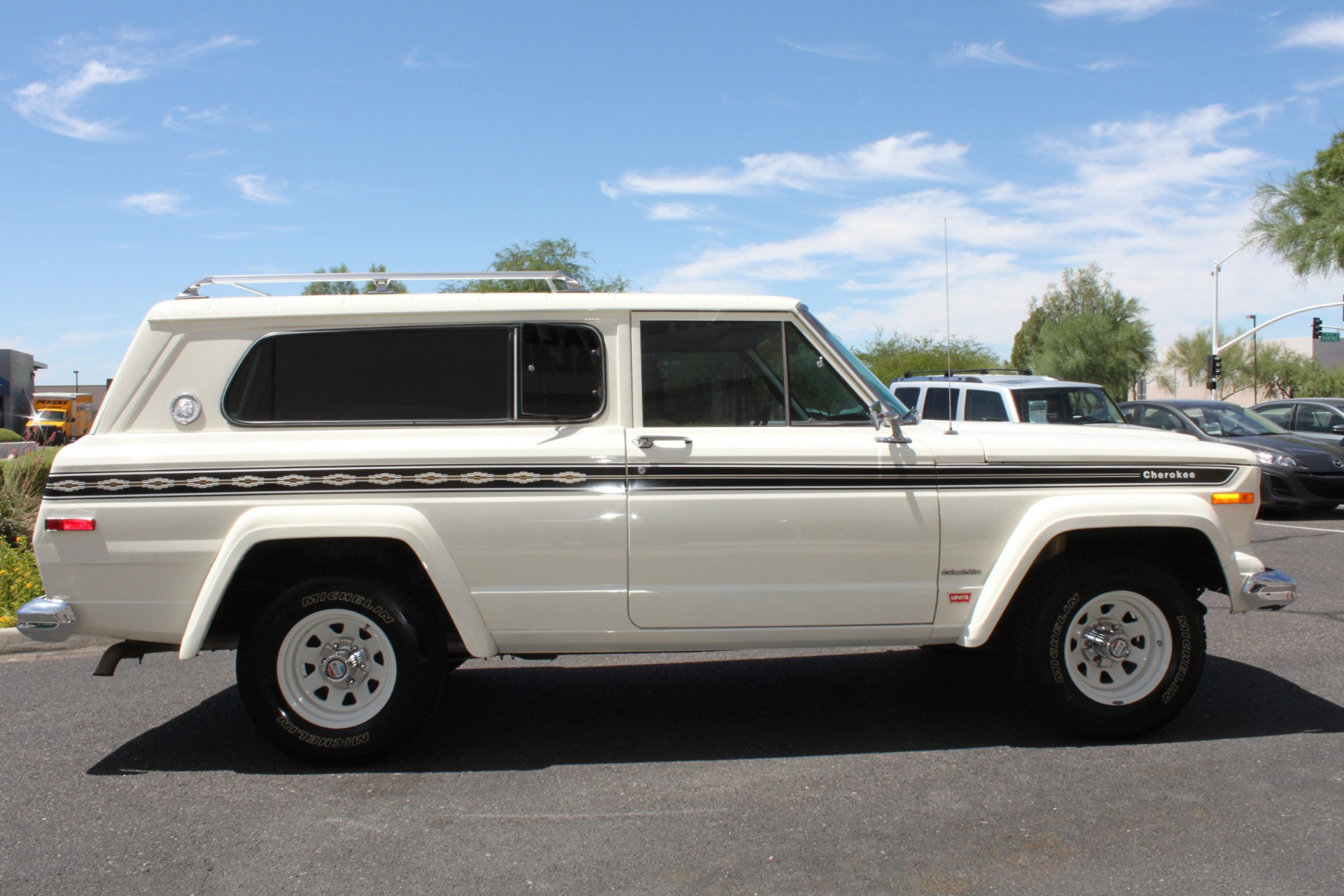 Used-1977-Jeep-Cherokee-S-Widetrack-4X4-401-V8-Mercedes-Benz