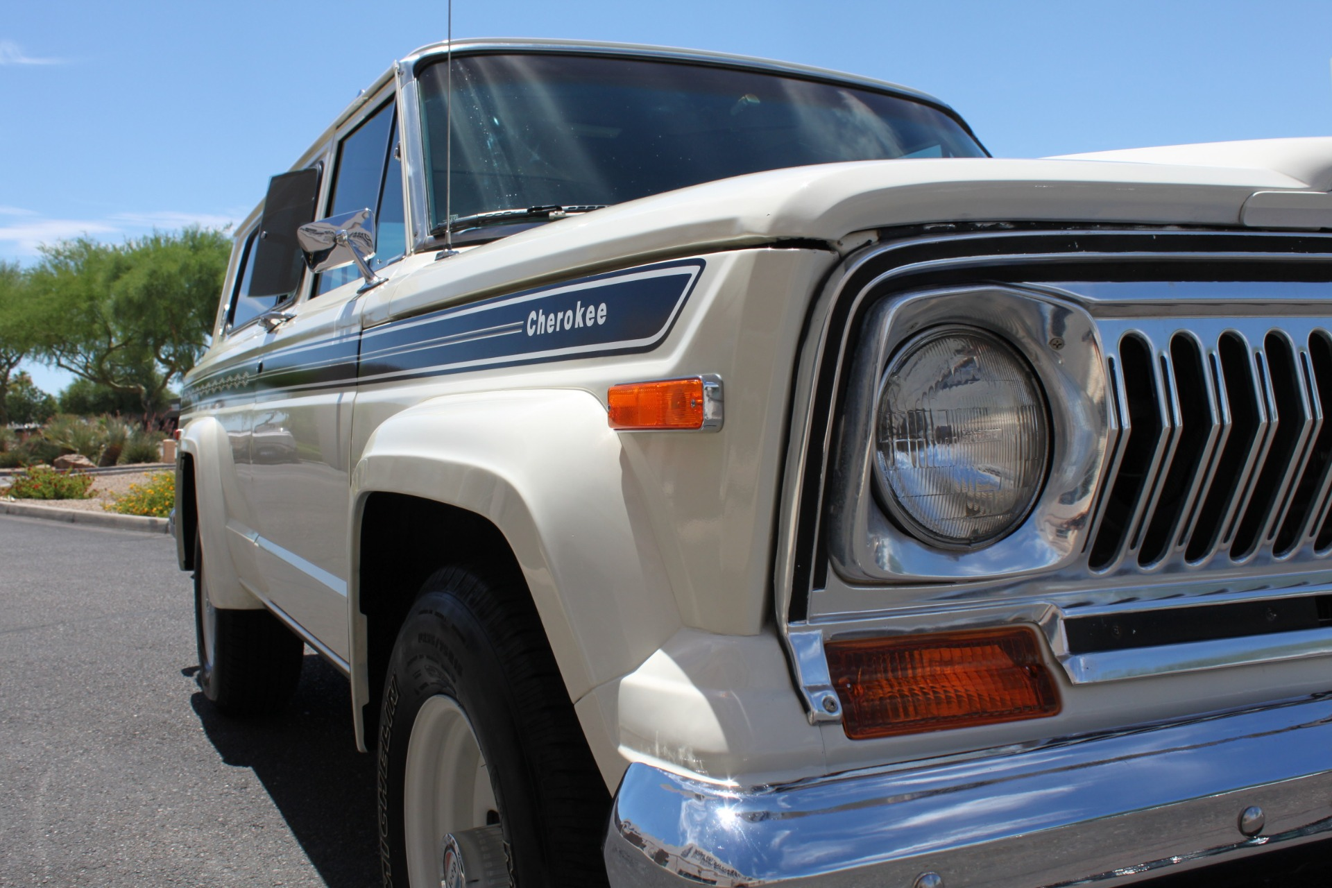 Used-1977-Jeep-Cherokee-S-Widetrack-4X4-401-V8-Chevrolet