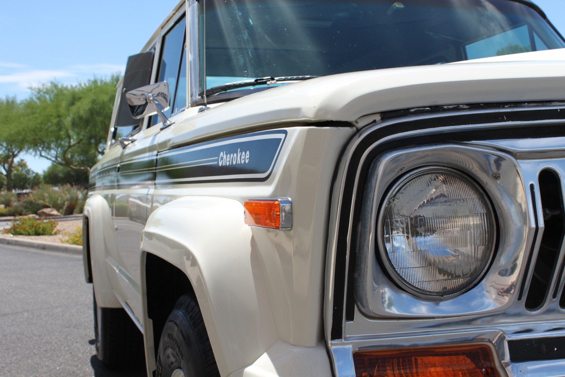Used-1977-Jeep-Cherokee-S-Widetrack-4X4-401-V8-Chalenger