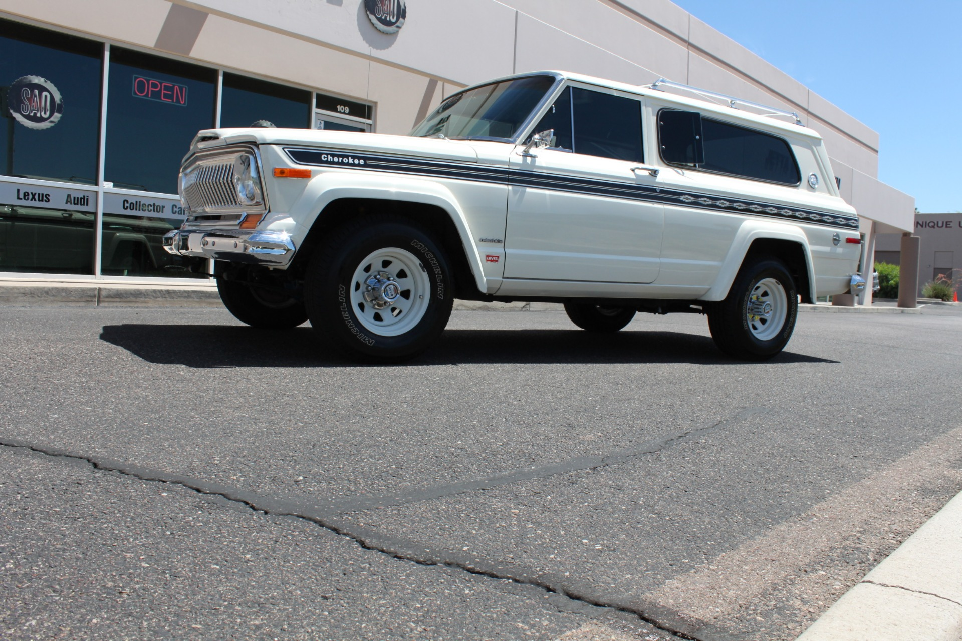 Used-1977-Jeep-Cherokee-S-Widetrack-4X4-401-V8-Ford