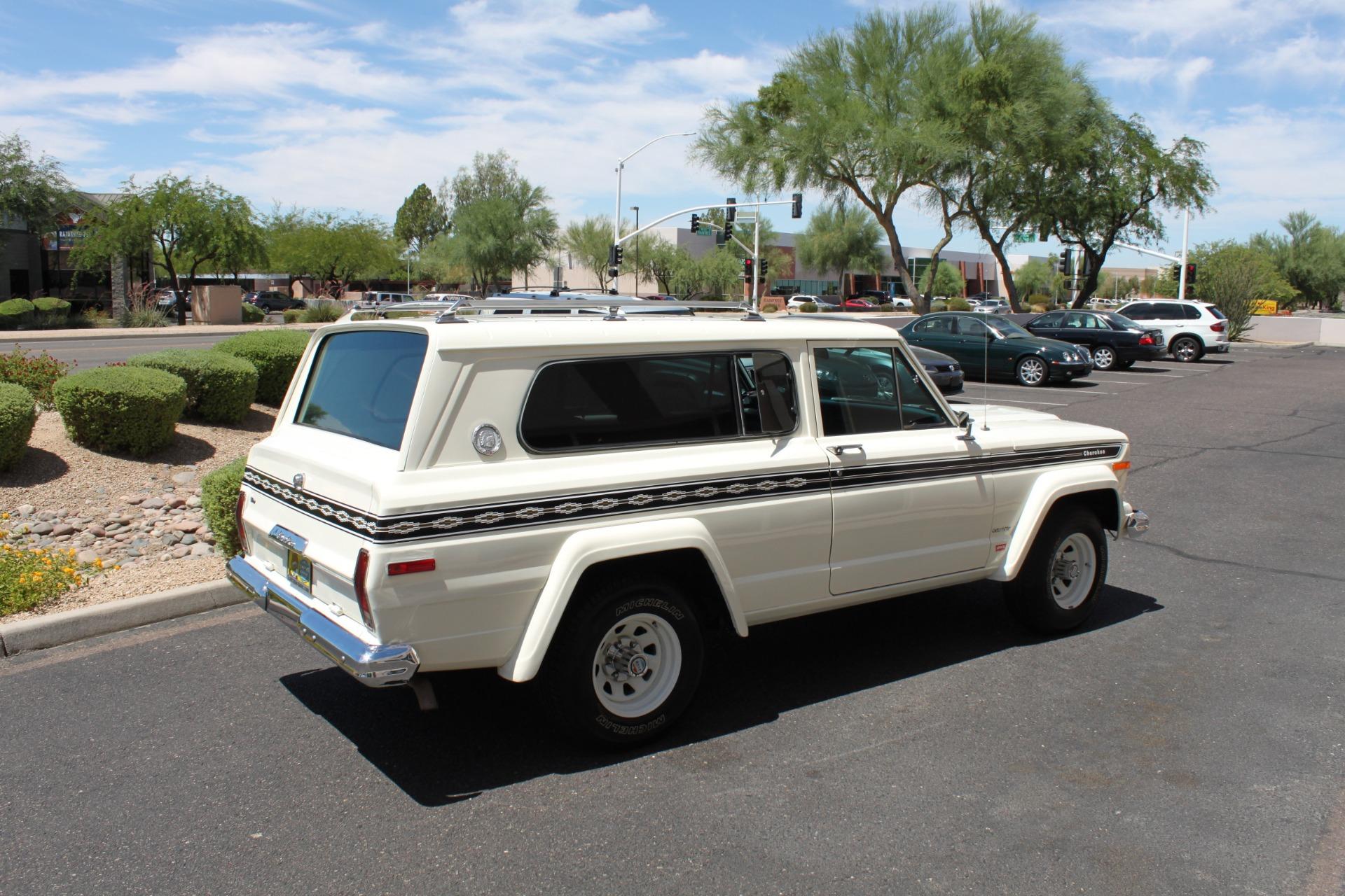 Used-1977-Jeep-Cherokee-S-Widetrack-4X4-401-V8-Tesla