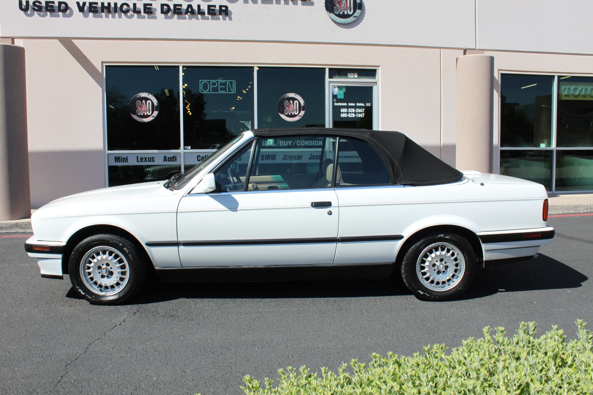 Used-1992-BMW-3-Series-318iC-Convertible-Wagoneer