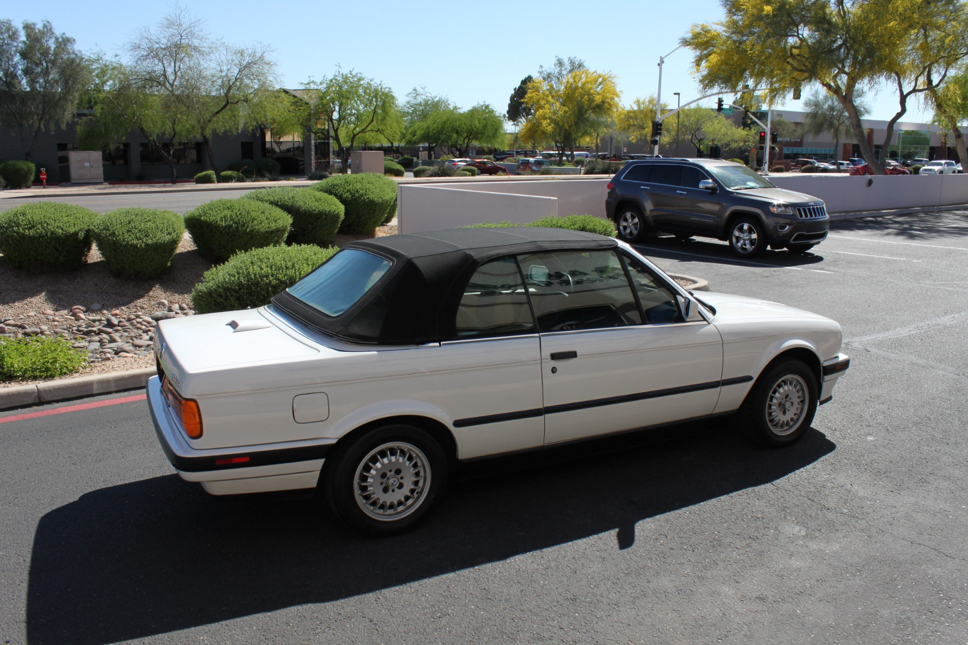 Used-1992-BMW-3-Series-318iC-Convertible-LS400