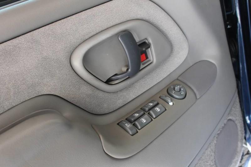 Used-1999-GMC-Yukon-SLE-4X4-Tesla