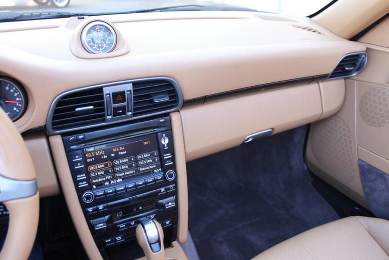 Used-2010-Porsche-911-Carrera-Chevelle