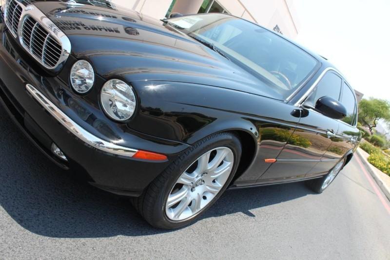 Used-2005-Jaguar-XJ8L-Long-Wheelbase-New-cars-for-sale-Gurnee
