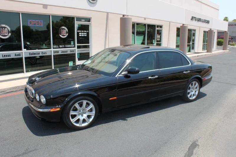 Used-2005-Jaguar-XJ8L-Long-Wheelbase-4X4