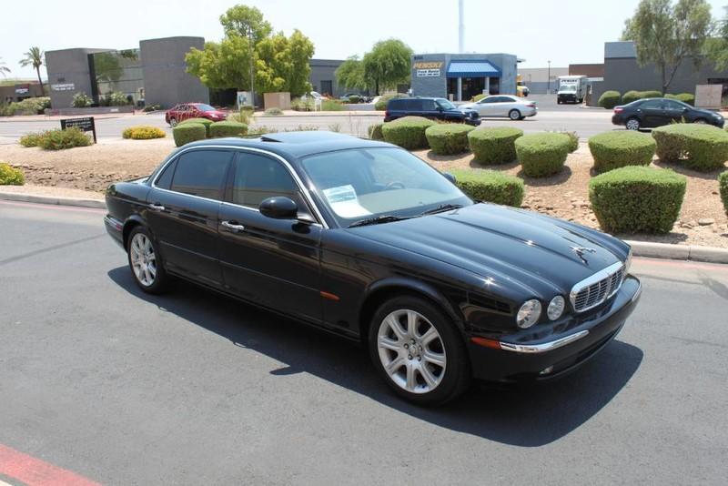 Used-2005-Jaguar-XJ8L-Long-Wheelbase