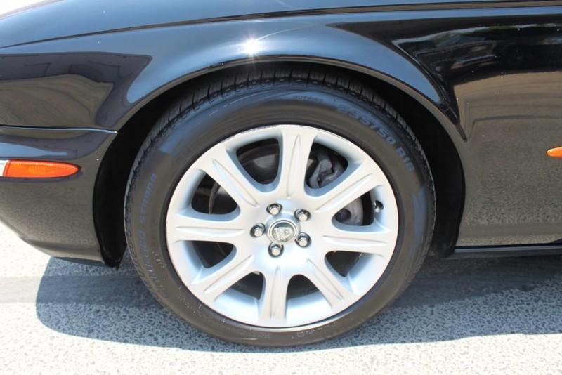 Used-2005-Jaguar-XJ8L-Long-Wheelbase-Ford