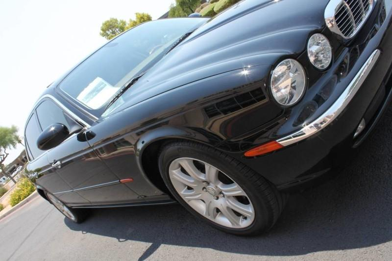 Used-2005-Jaguar-XJ8L-Long-Wheelbase-New-Porsche-IL
