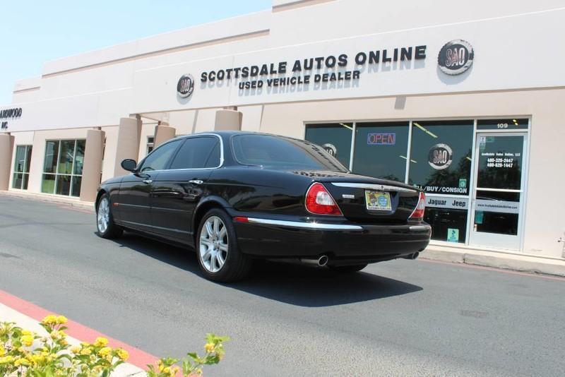 Used-2005-Jaguar-XJ8L-Long-Wheelbase-New-Honda-IL