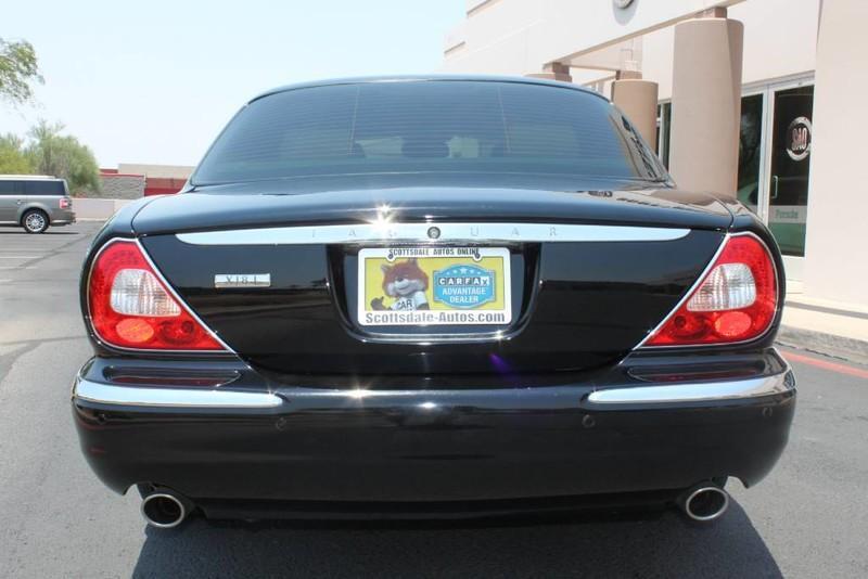 Used-2005-Jaguar-XJ8L-Long-Wheelbase-New-use-car-dealer-IL