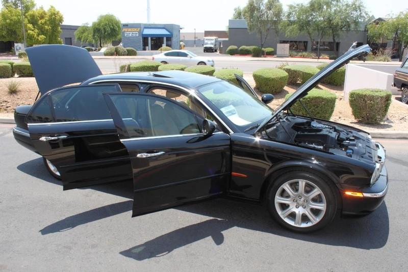 Used-2005-Jaguar-XJ8L-Long-Wheelbase-for-sale-in-IL
