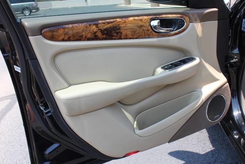 Used-2005-Jaguar-XJ8L-Long-Wheelbase-New-BMW-IL