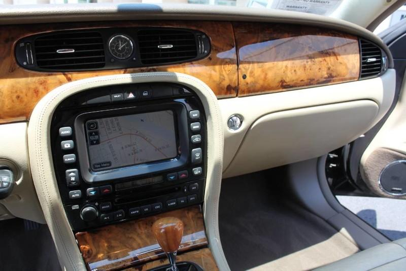 Used-2005-Jaguar-XJ8L-Long-Wheelbase-Wrangler