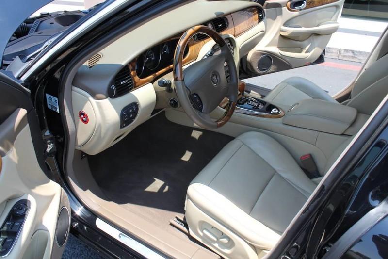 Used-2005-Jaguar-XJ8L-Long-Wheelbase-Chevrolet-Dealer-Vernon-Hills