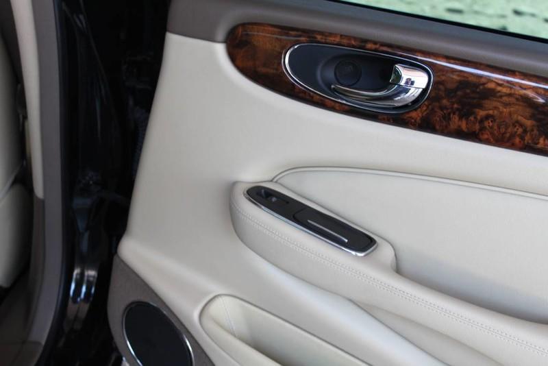 Used-2005-Jaguar-XJ8L-Long-Wheelbase-New-Car-Specials-IL