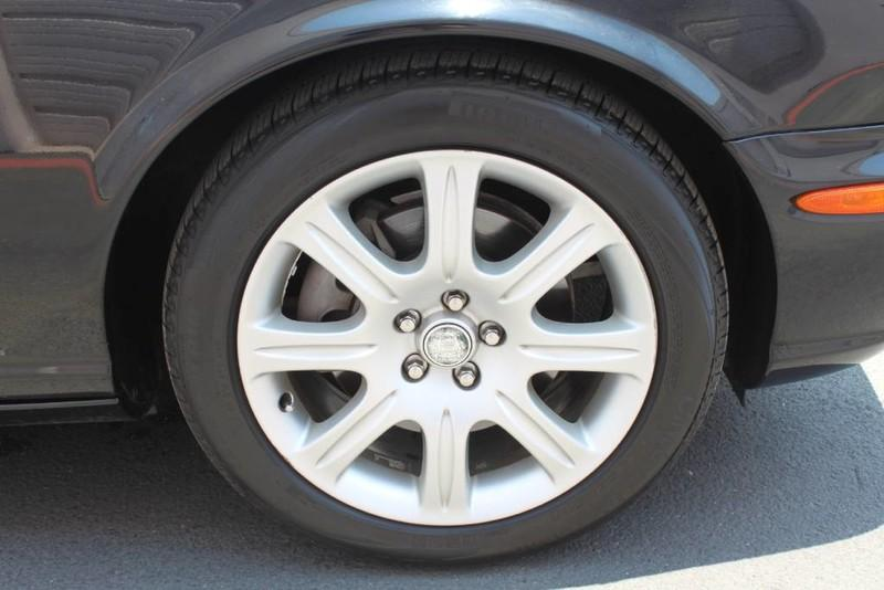 Used-2005-Jaguar-XJ8L-Long-Wheelbase-Toyota