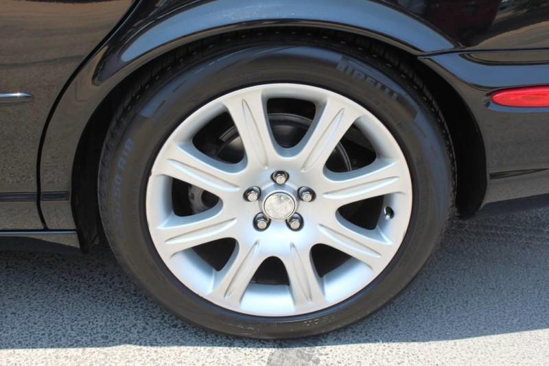 Used-2005-Jaguar-XJ8L-Long-Wheelbase-Mini