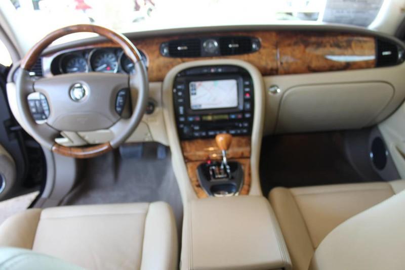 Used-2005-Jaguar-XJ8L-Long-Wheelbase-vintage