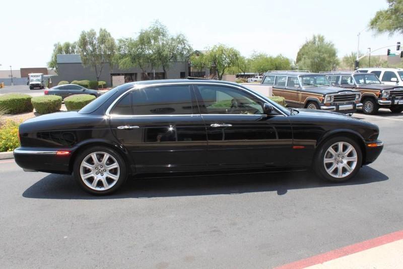 Used-2005-Jaguar-XJ8L-Long-Wheelbase-Chrysler