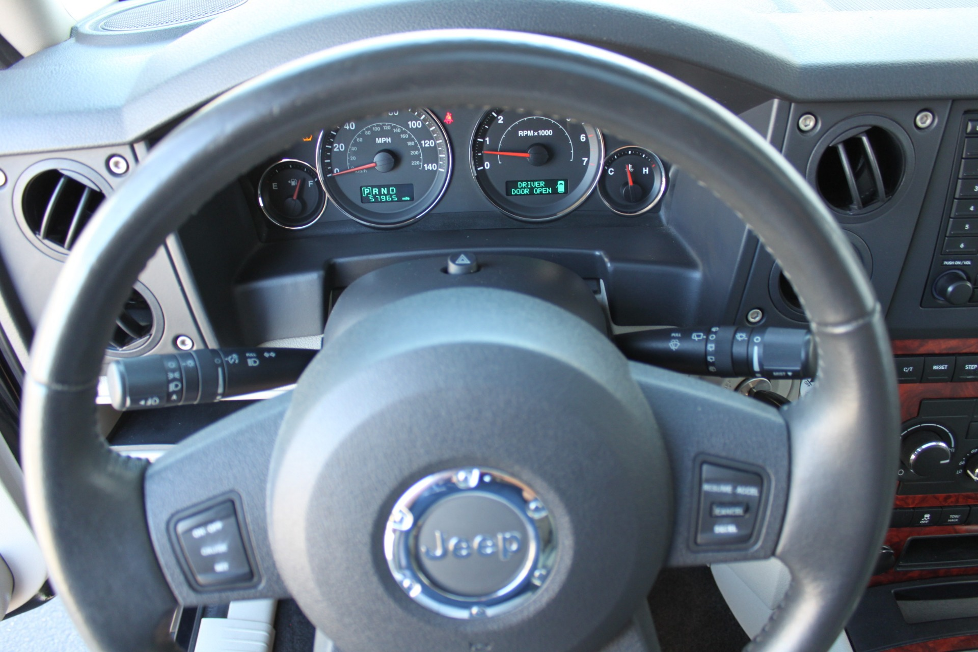 Used-2007-Jeep-Commander-Limited-Land-Rover
