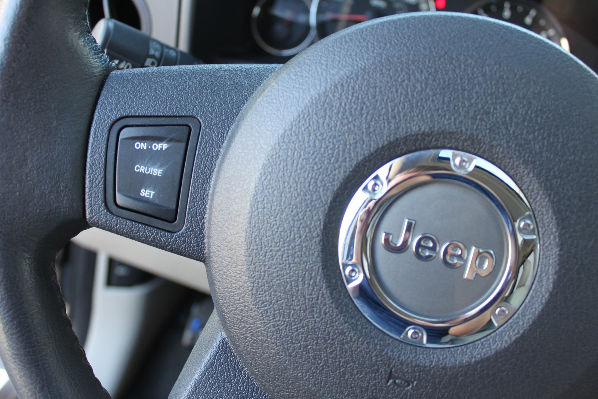 Used-2007-Jeep-Commander-Limited-Porsche