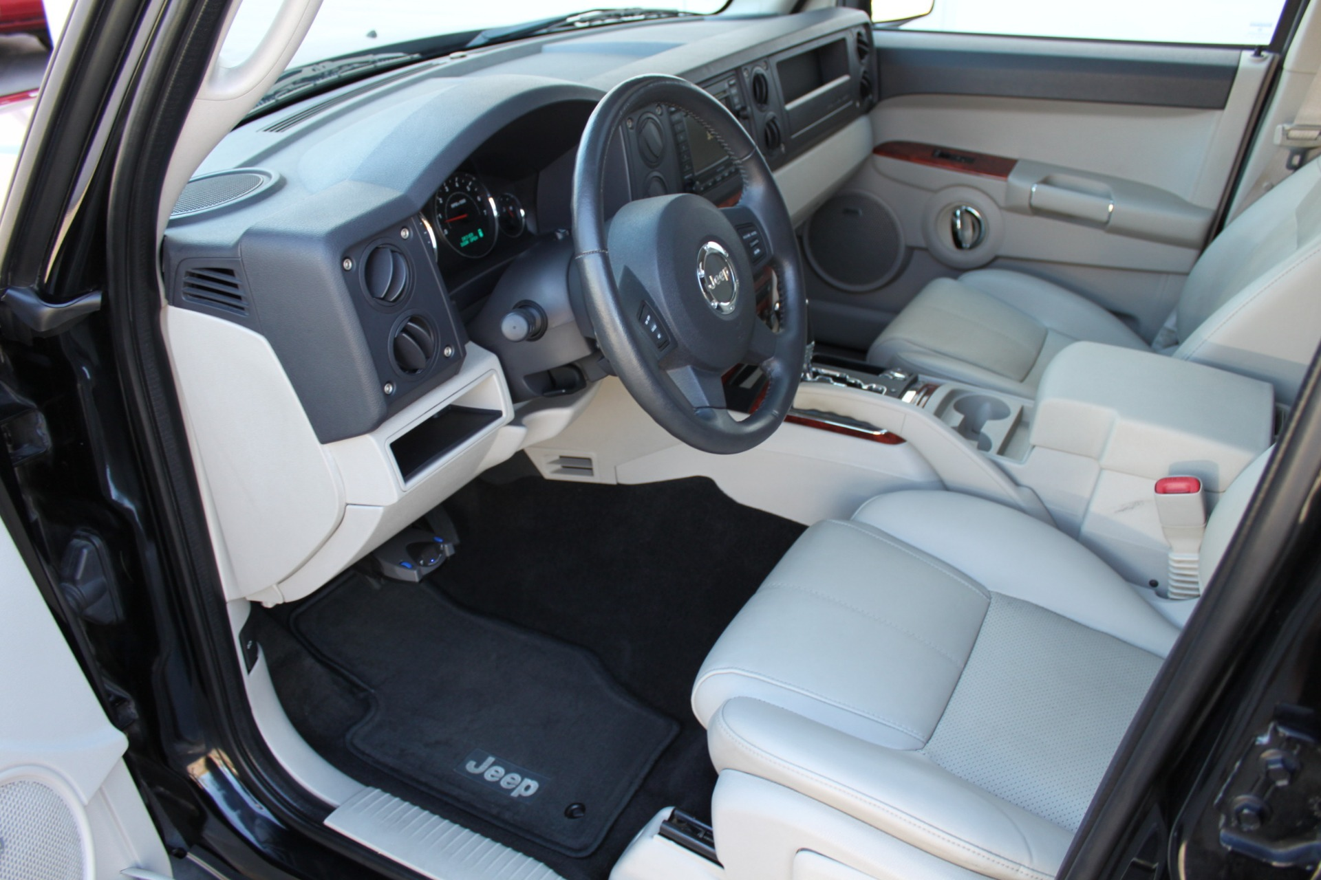 Used-2007-Jeep-Commander-Limited-Collector