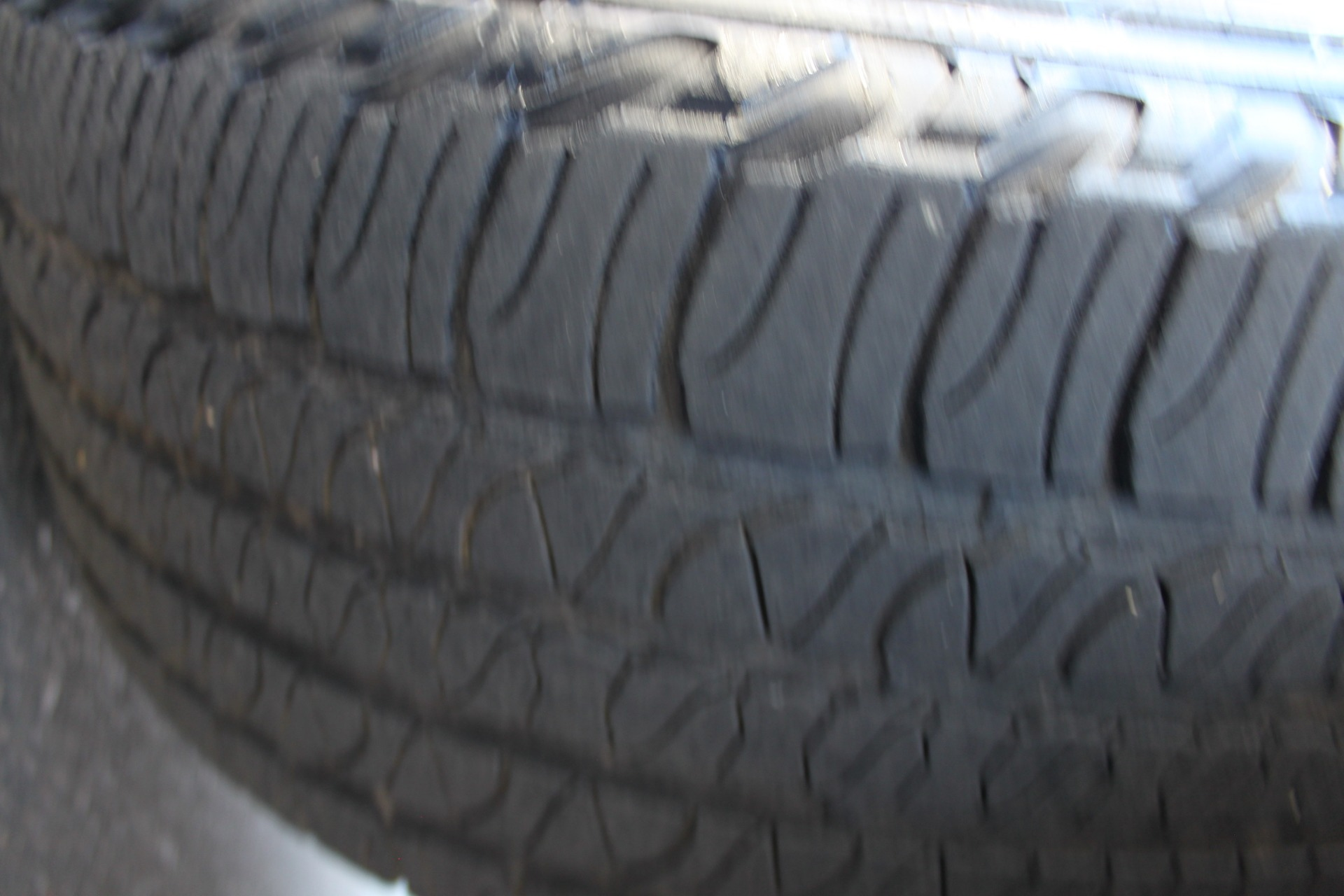 Used-2007-Jeep-Commander-Limited-Ferrari