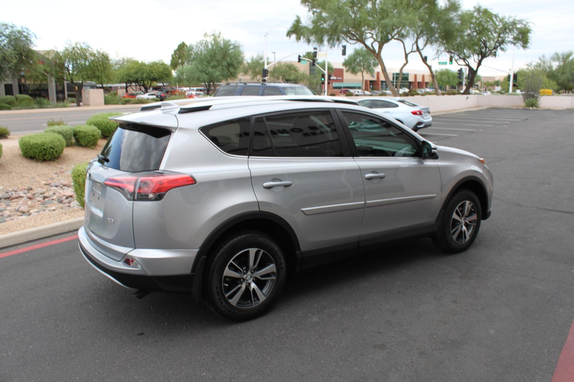 Used-2016-Toyota-RAV4-XLE-Fiat